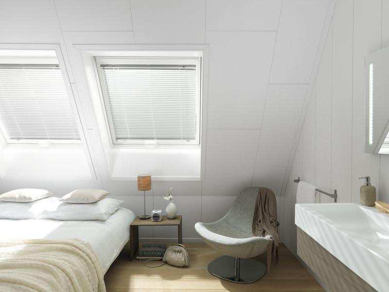 Een verlaagd plafond van plameco in de badkamer kies voor
