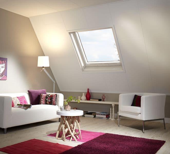 Een verlaagd plafond met schuine kant